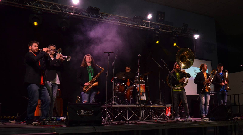 Walking Brass in concerto al Rock Town